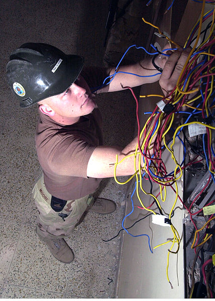 Finding a Commercial Electrician in Denver, CO for Your Business